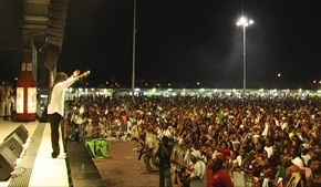 Jah_Cure_in_action_last_year_in_St_Martin_phixr