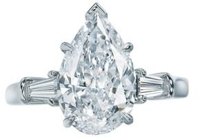 harry-winston-pear-cut-diamond-engagement-ring_phixr