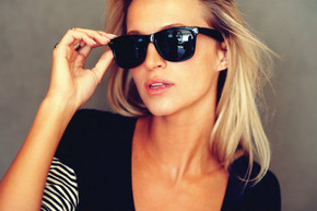 woman-in-sunglasses_phixr