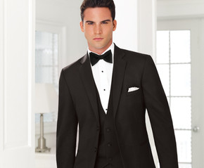 timeless-classic-black-groom-tuxedo_phixr